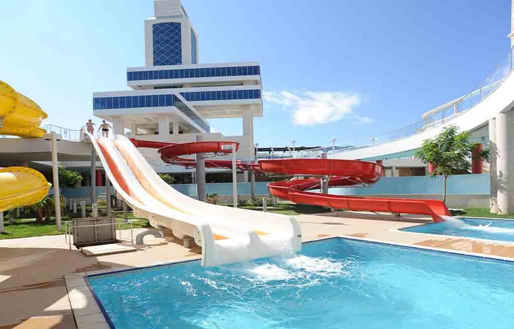 pullman-hotel-pool