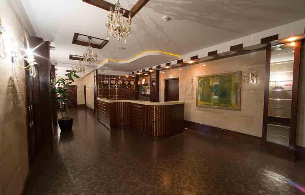 qafqaz-park-hotel-lobby-1