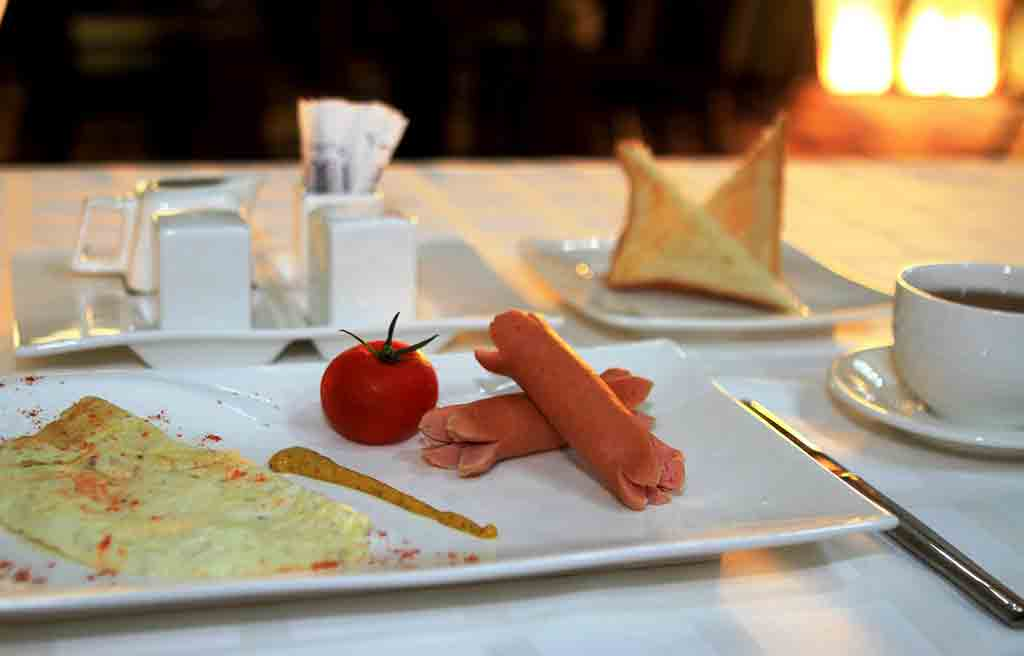 safran-hotel-breakfast