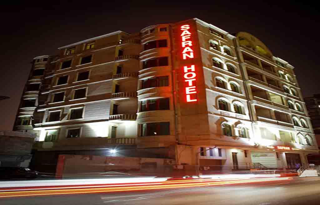 تصویری از ساختمان هتل سفران باکو