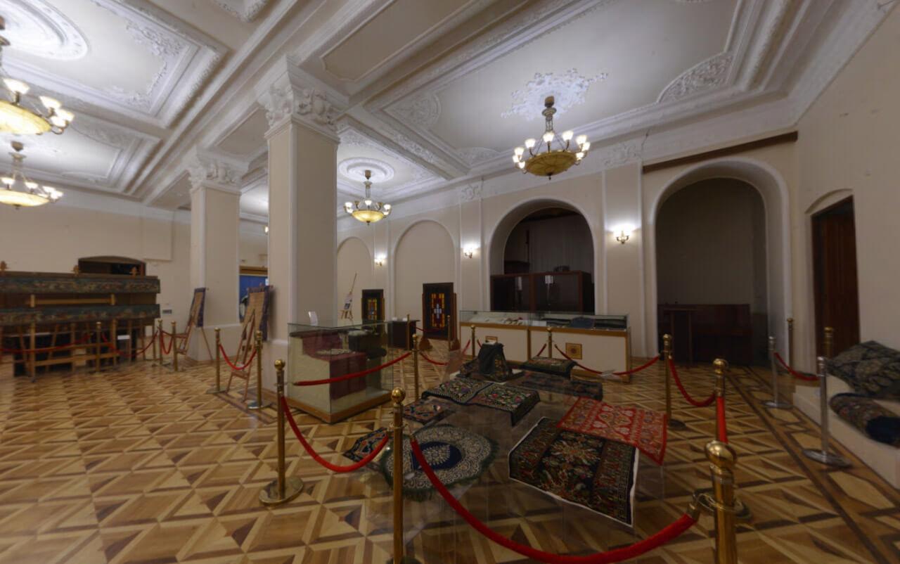 تصویری از داخل موزه تاریخ آذربایجان