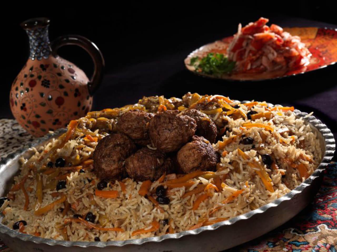 تصویری از پلو (نوعی غذا در کشور آذربایجان)