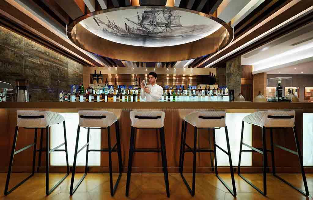 intourist-hotel-bar-2