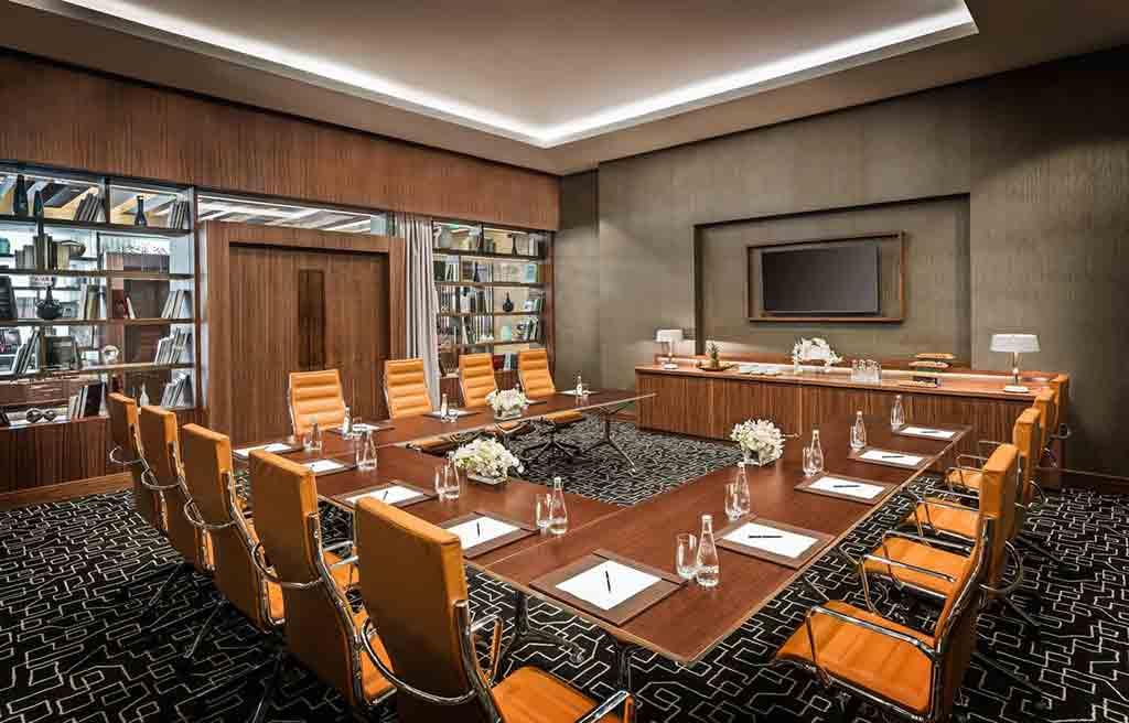 intourist-hotel-meeting-room