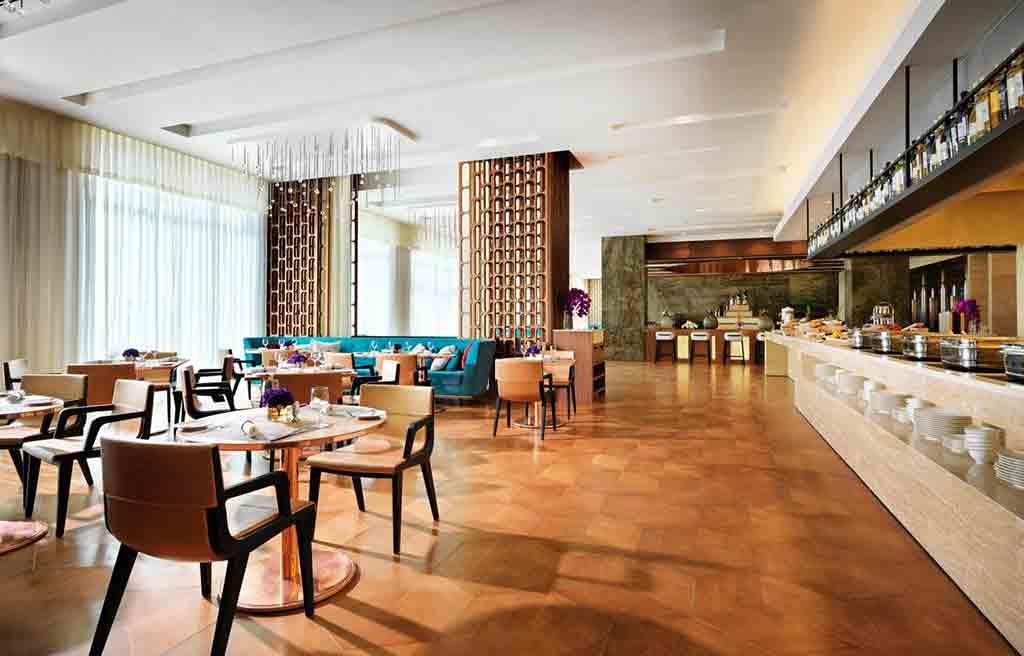 intourist-hotel-restaurant-1