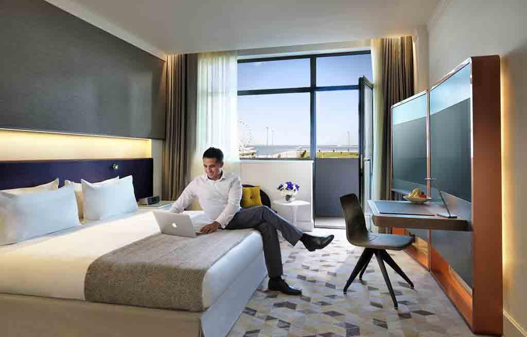 intourist-hotel-rooms-6