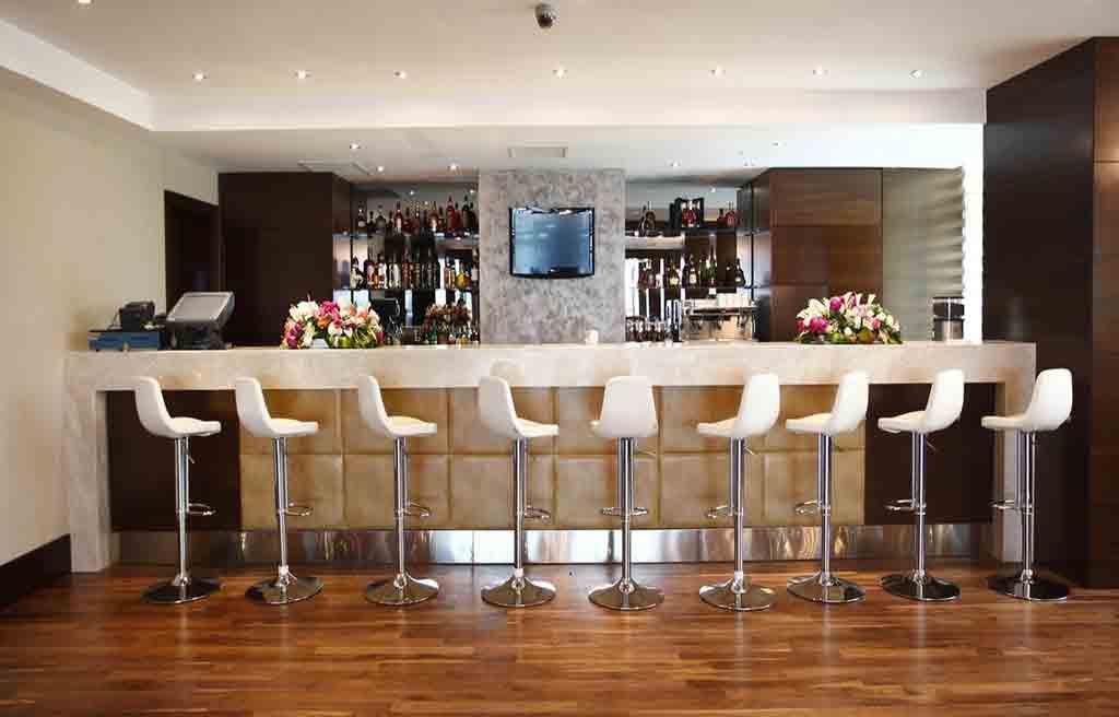qafqaz-city-hotel-bar-1