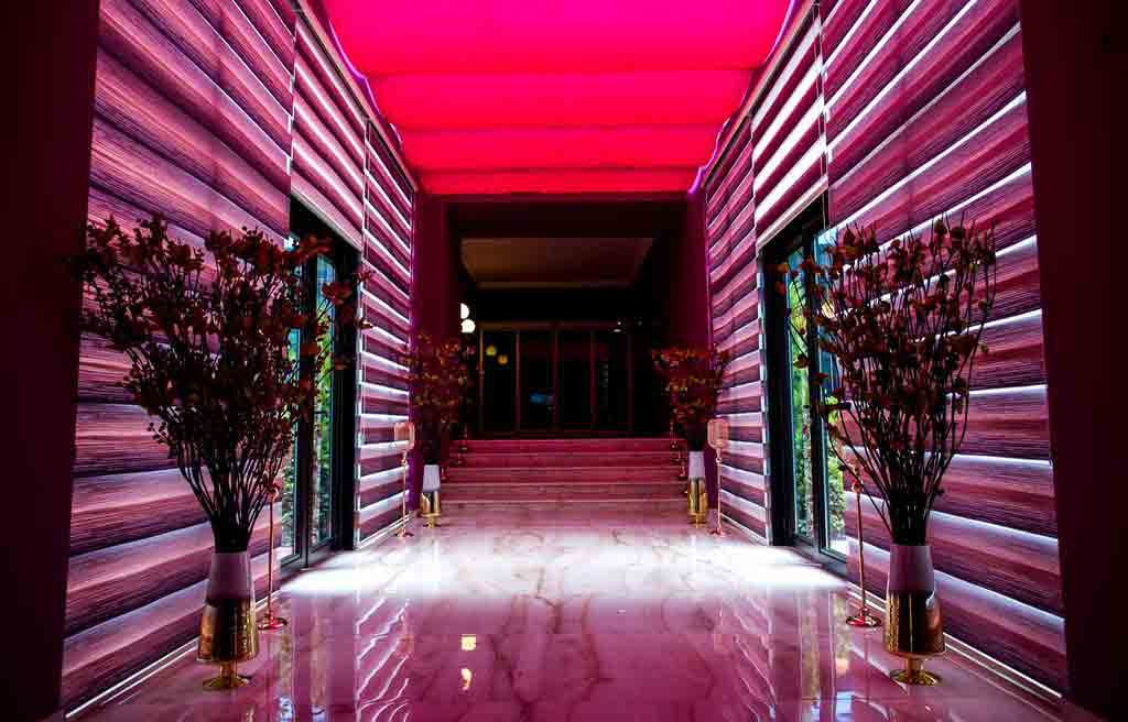 rich-hotel-1