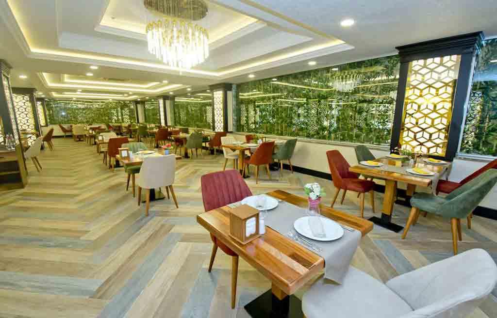 rich-hotel-restaurant-1