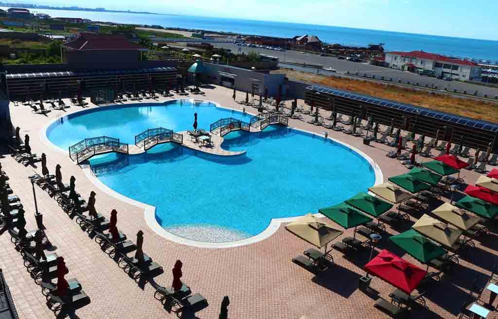 spring-hotel-pool-1