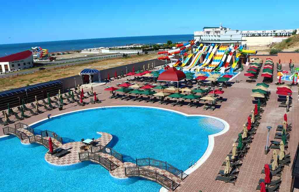 spring-hotel-pool-2