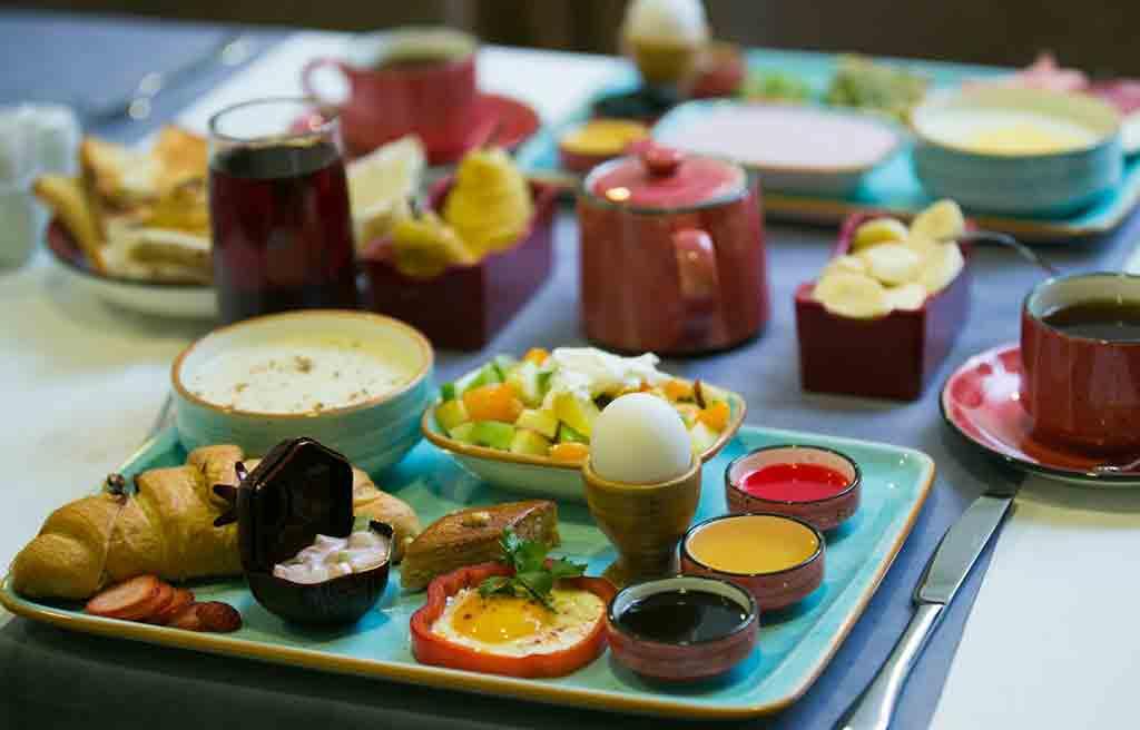 davin-chi-hotel-breakfast