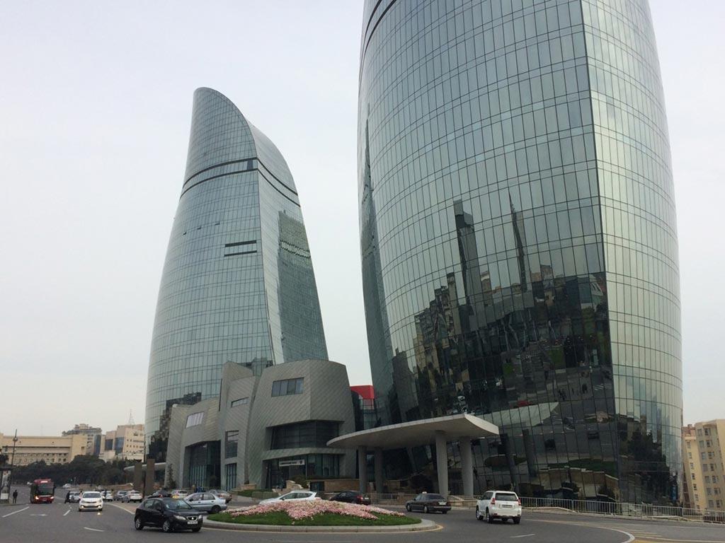 تصویری از برج های شعله باکو در روز