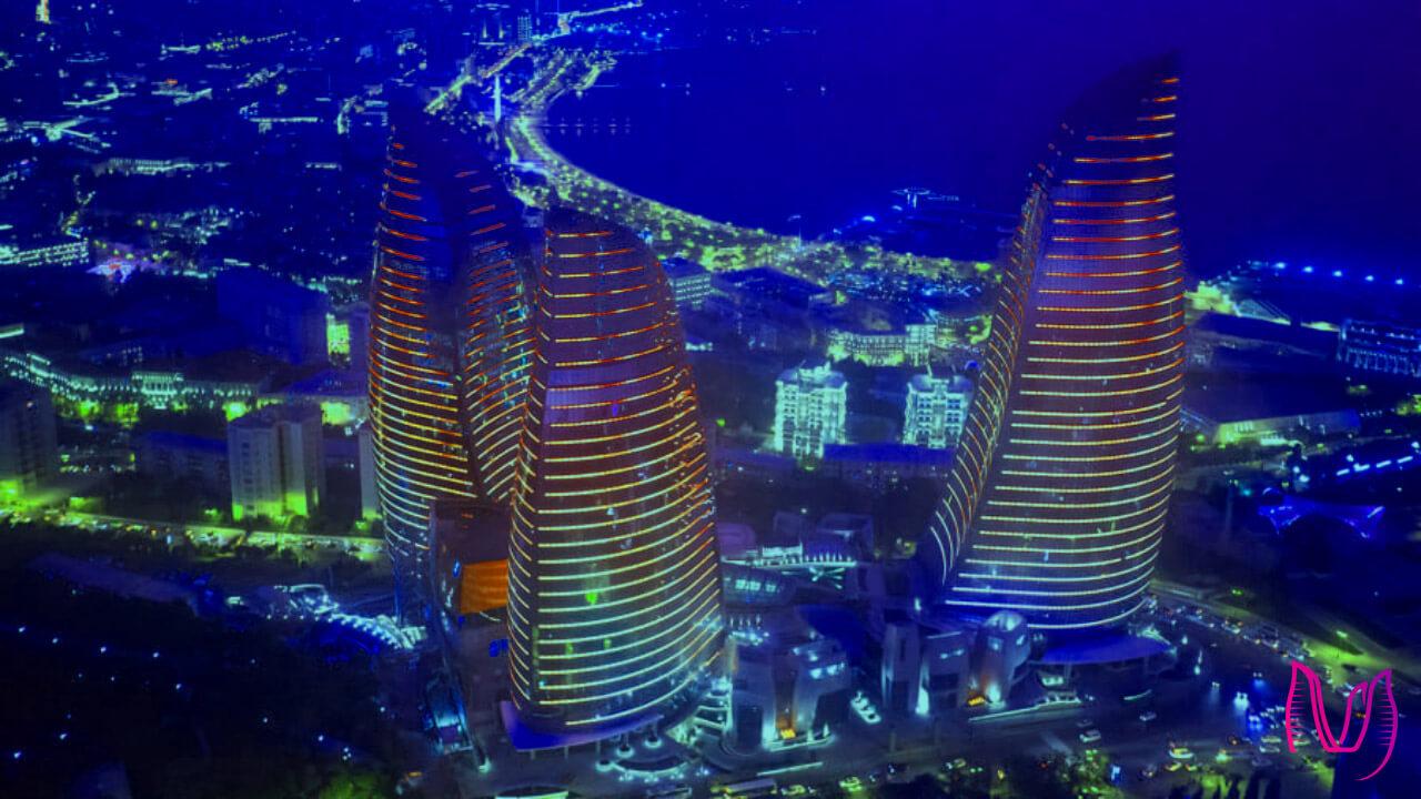تصویری زیبا از برج های شعله باکو در شب