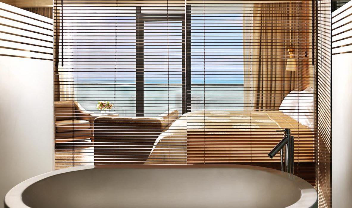 Bilgah Beach Hotel bath