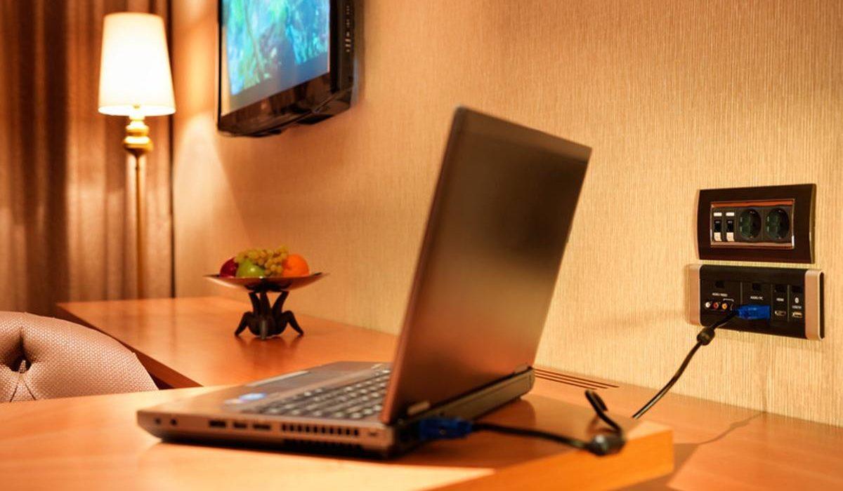 Bilgah Beach Hotel work desk