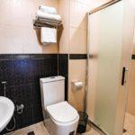 سرویس بهداشتی و حمام هتل لاکاسا باکو