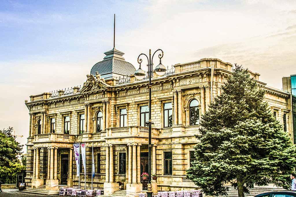 تصویری از موزه ملی هنر آذربایجان