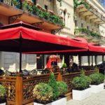 درب ورودی هتل شاه پالاس باکو