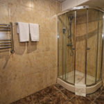 حمام در اتاق های هتل توریست باکو