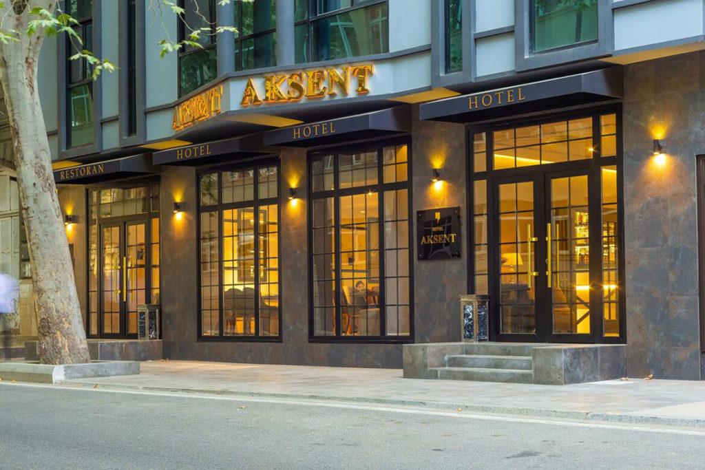 تصویری از ساختمان هتل اکسنت باکو