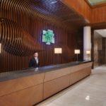 رسپشن هتل هالیدی این باکو