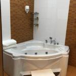 جکوزی در اتاق های هتل آیسبرگ باکو