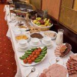 صبحانه سلف سرویس هتل گلدن کاست باکو