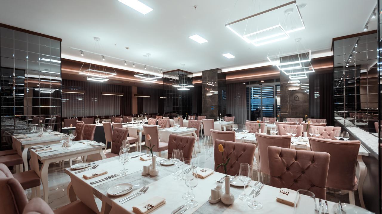رستوران هتل میدتاون باکو