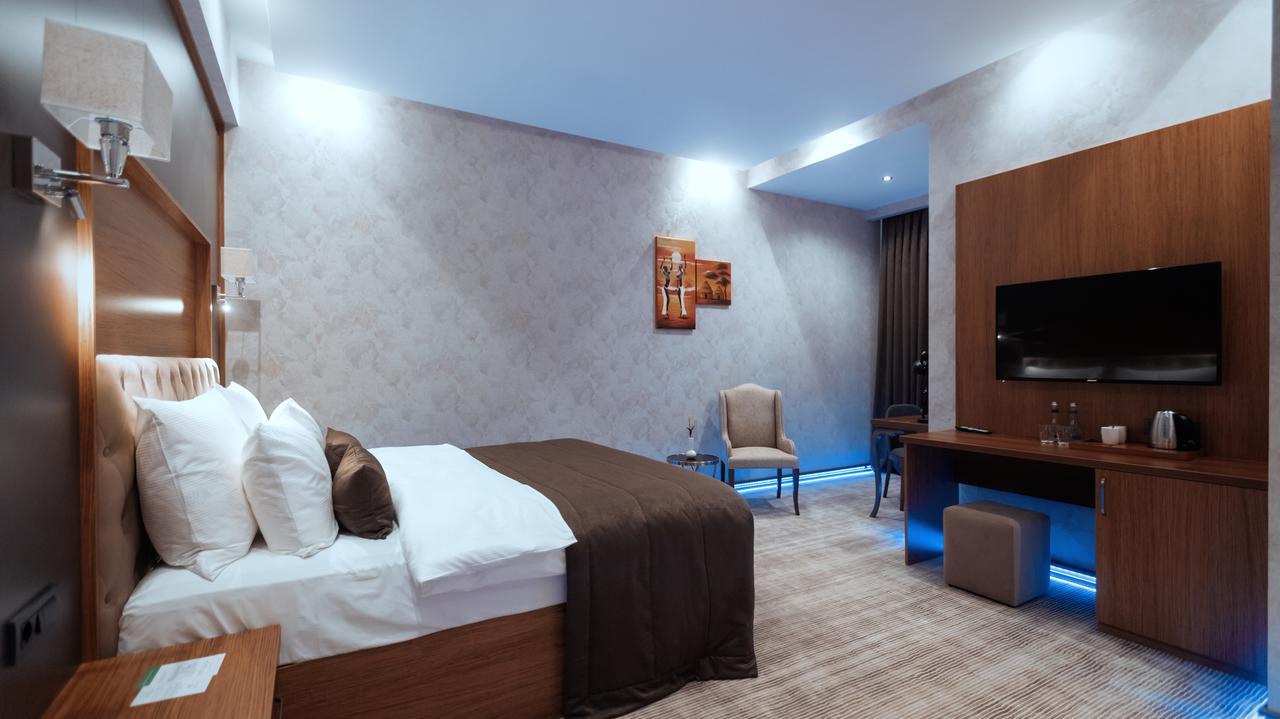 تصویری از اتاق های هتل میدتاون باکو