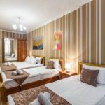 اتاق سه تخته هتل رز اند کرون باکو