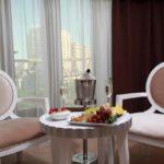 صندلی اتاق های هتل آمبر باکو