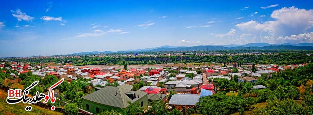 تصویری از روستای قرمز در شهر قوبا