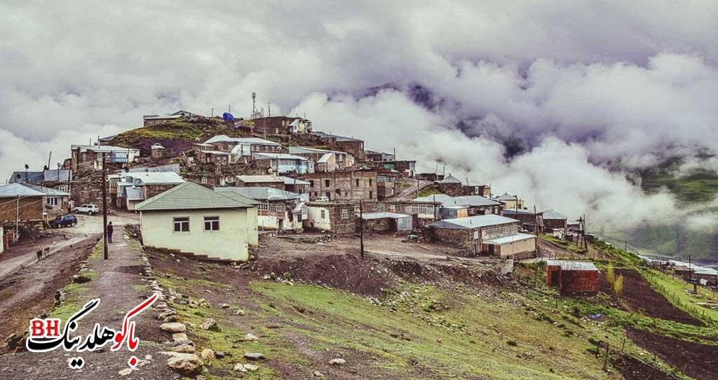 تصویری از خانه های روستای خینالوگ
