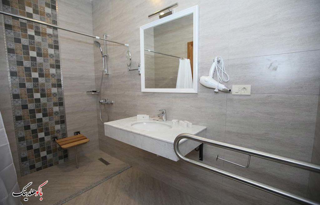 سرویس بهداشتی اتاق های هتل آئوروم باکو