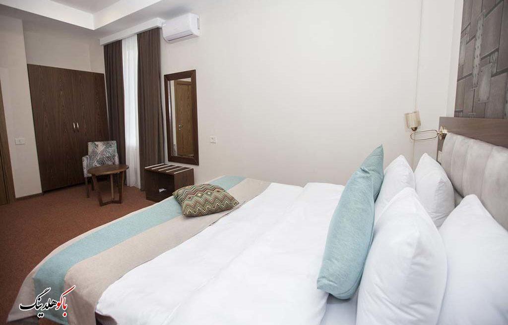 تخت کینگ هتل آئوروم باکو