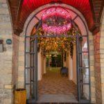 درب ورودی هتل میدوی باکو