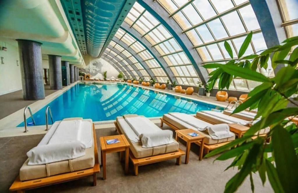 استخر روبسته هتل گرین سیتی باکو
