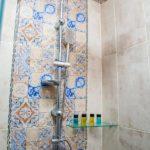 حمام در اتاق هتل میلدوم باکو
