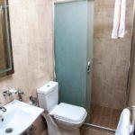 حمام و سرویس بهداشتی در اتاق هتل میلدوم باکو