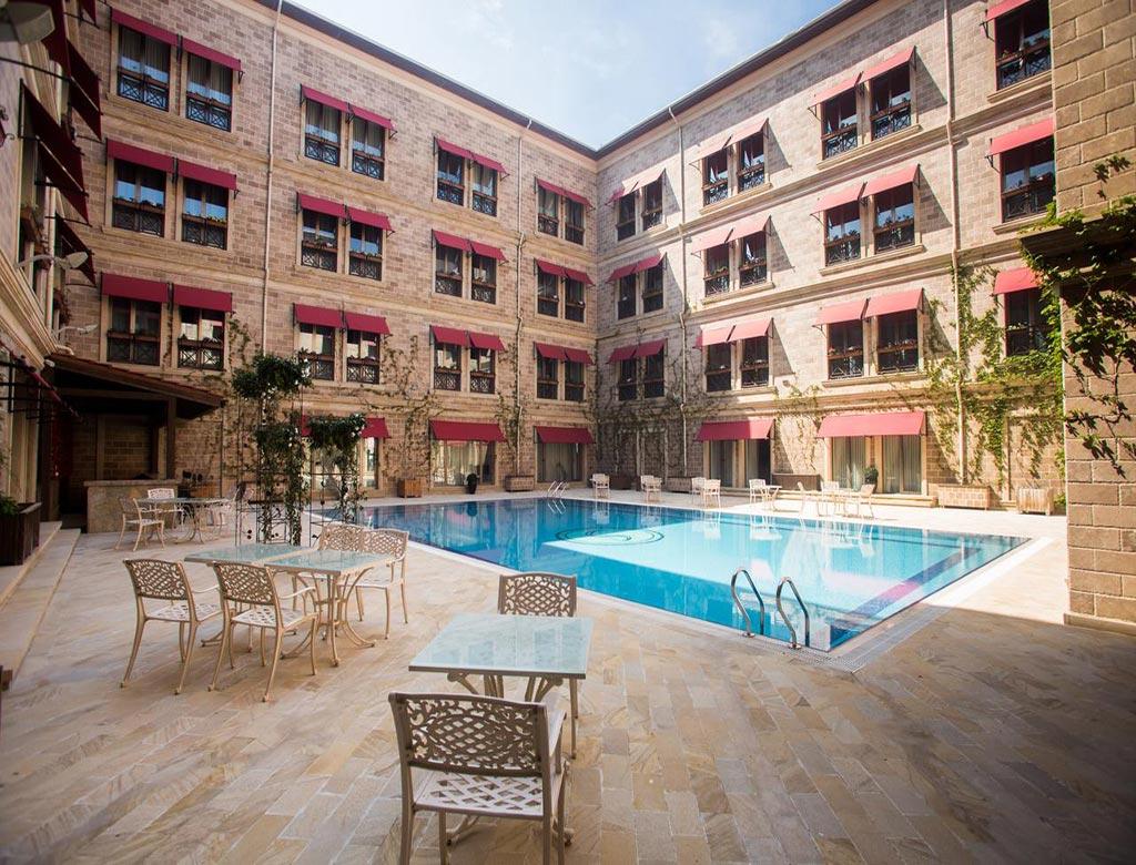 تصویری از ساختمان هتل سافیر زاگولبا