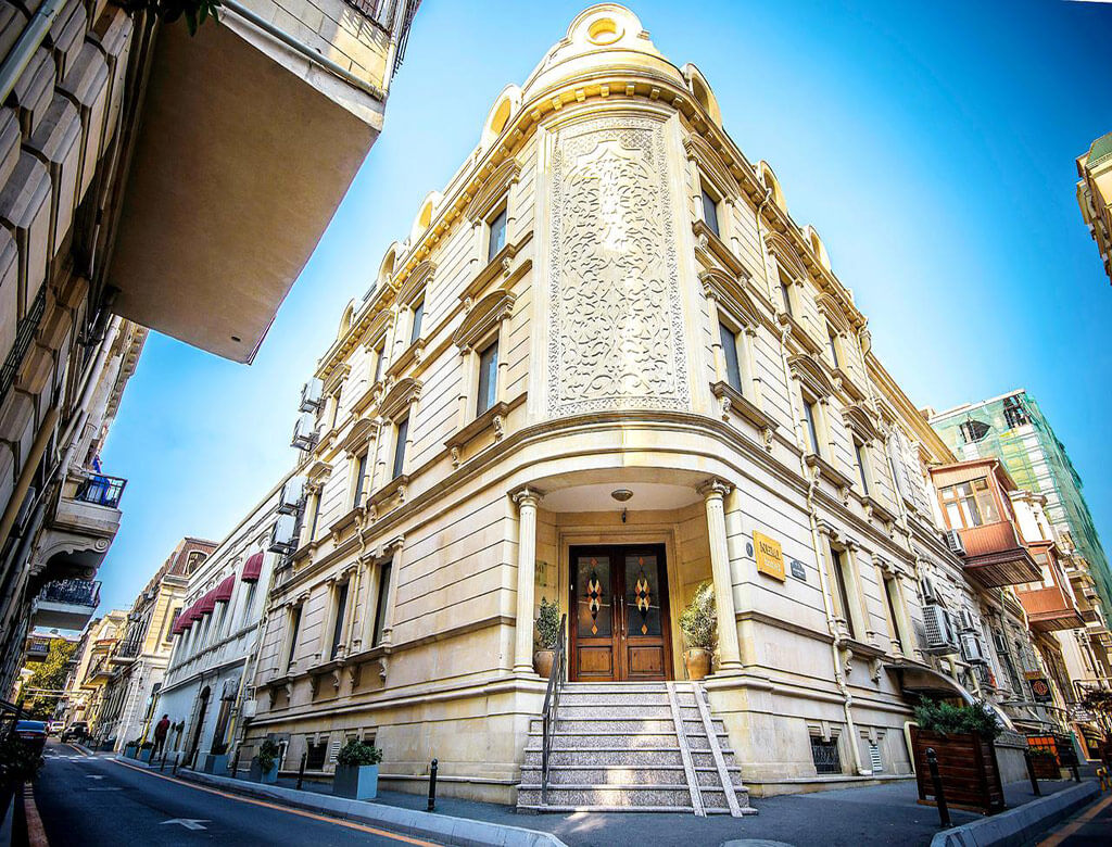 تصویری از ساختمان هتل نمی باکو