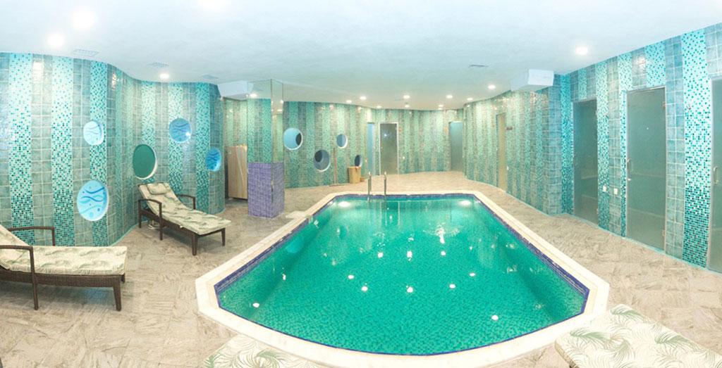 استخر هتل پارک وی این باکو