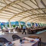 رستوران روباز هتل رامادا بیچ باکو