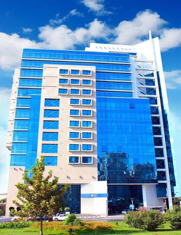 تصویری از ساختمان هتل چیراغ پلازا