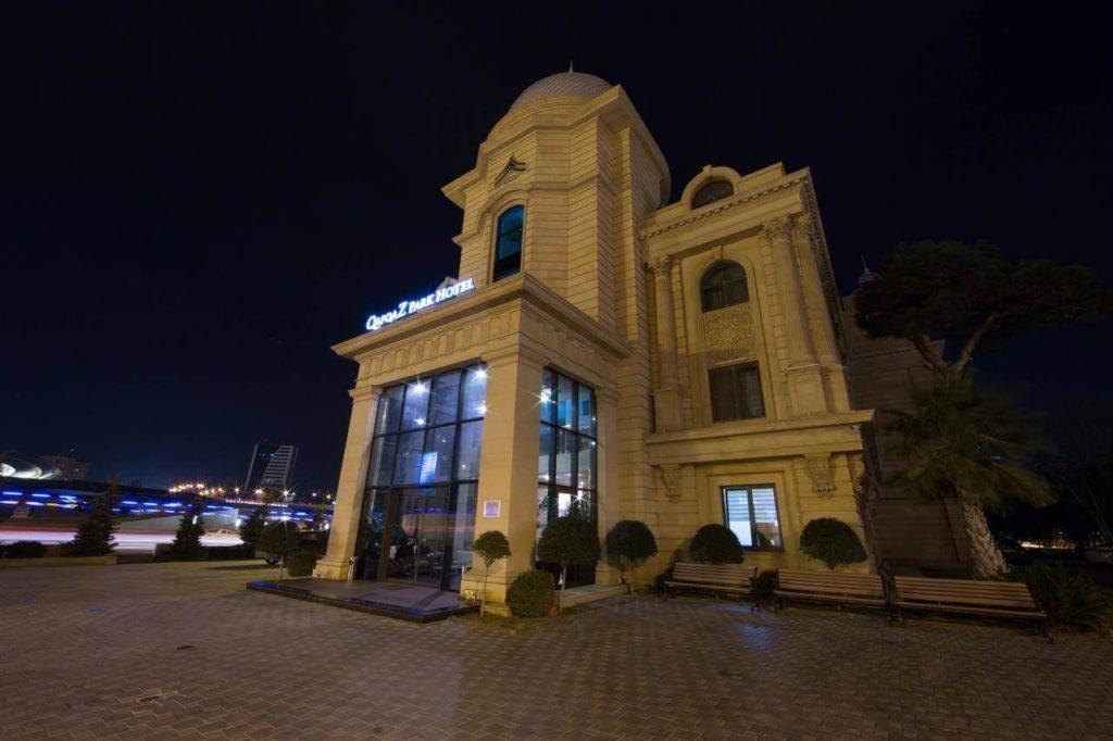 تصویری از ساختمان هتل کاسپی پارک باکو