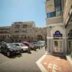 تابلو و درب ورودی هتل سلام باکو