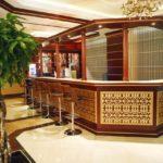 بار در هتل مدرن باکو