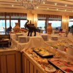 صبحانه سلف سرویس در هتل مدرن باکو