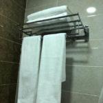 حوله در حمام اتاق های هتل سلام باکو